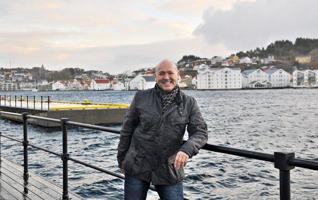 Geir Gerhard Greger, tidligere leder i Norodd Friidrett, er posiiv til et salg av bygården som IL Norodd eier sammen med IL Braatt.