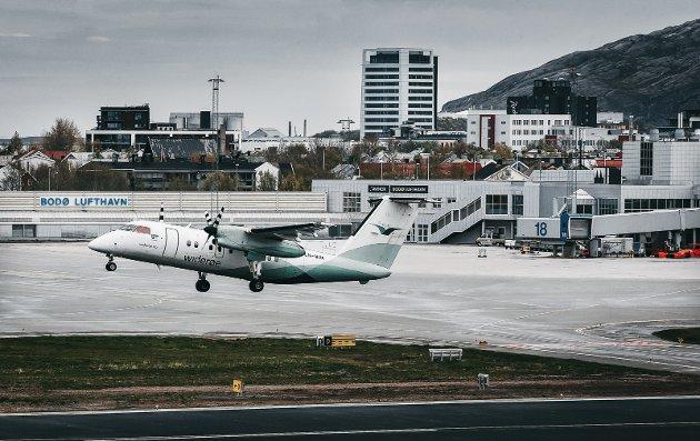 Widerøe fly tar av fra Bodø Lufthavn
