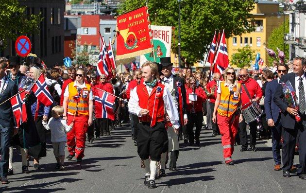 Barnetoget i Moss 2016. HaakonHattevig er leder av 17. mai-komiteen.