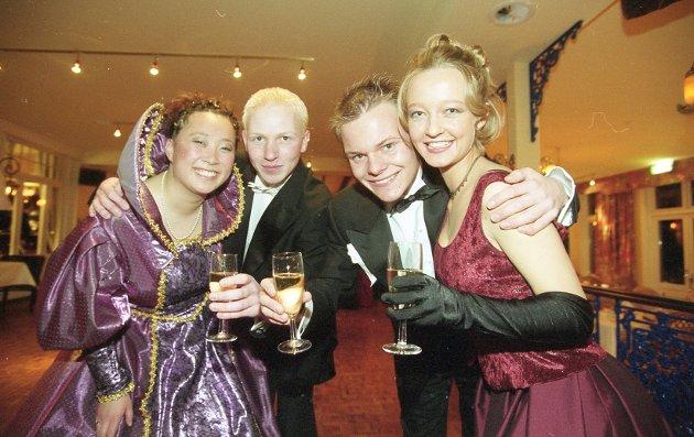 Russeball på Støtvig, 1999. Renée, Rune, Jørgen og Sarah.