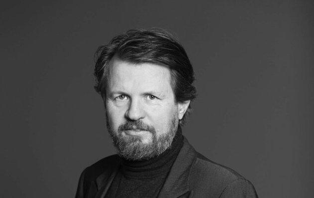 Tom Egeland har en innfallsvinkel til sitt forfatterskap som er helt unik.