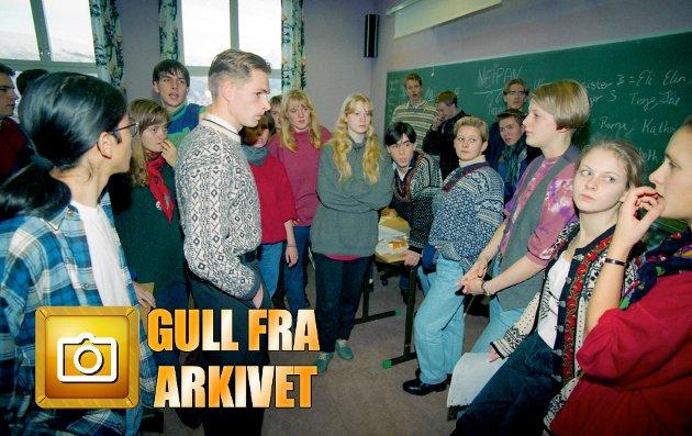 Den Internasjonale dagen på Kongsbakken videregående skole i 1993 startet fredelig. Men endte som førstesideoppslag i Nordlys.