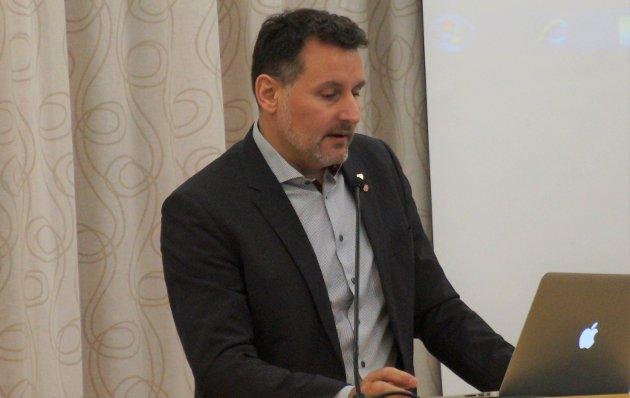 Nils Erik Mossing, kommunestyrerepresentant, Lunner Ap