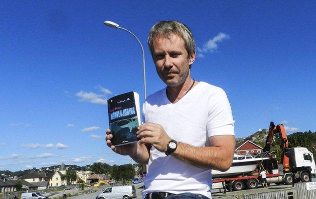 FORFATTEREN: Leif Østli har funnet Halden som sitt univers for bokskrivingen. Vi vet at han jobber med bok nummer tre når dette skrives.