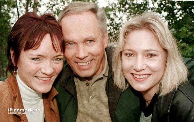 2000-TALLET: Anita H. Pedersen, Arne Hammari og Heidi Nilsen inviterer til mosjon og moro.