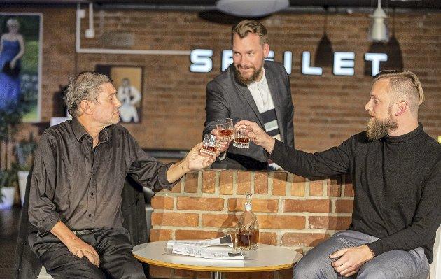 Tablå-teater: Thor Rummelhoff, Lasse Houmark og David Dutheil i Caféteatrets nye stykke «Pinteresque».