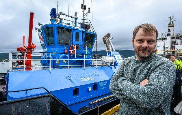 Svein Tore Nordhagen er glad for å få båten hjem.