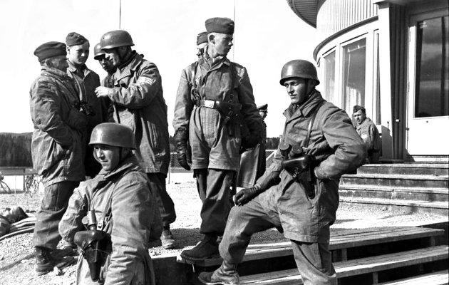 Tyske fallskjermsoldater i Oslo før avreisen mot Hamar og Midtskogen
