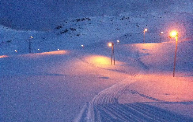 Det er nå nykjørte skispor i Skipsfjorden.