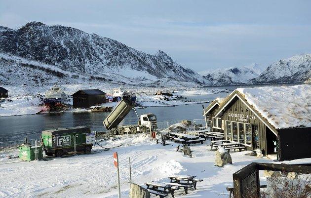 Bygginga av ny bryggje å Gjendeosen går sin gang vinterstid. Ny bryggje er første etappe i ei tre-trinns realisering av Gjendeosen som nasjonalt reiselivsikon