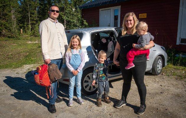 Småbarnsforeldrene Ragna (31) og Bjørn (36) fortalte nylig gjennom Rana Blad at de ikke kan ivareta sine kritiske samfunnsfunksjoner på grunn av de reduserte åpningstidene i barnehagen.