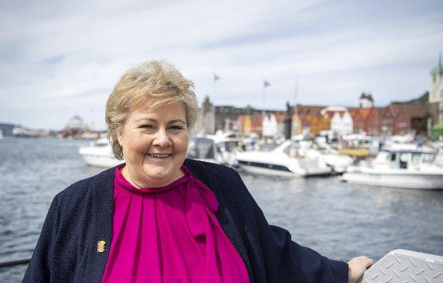 – Det er farlig for folkehelsen vår om Erna og Co ikke kommer seg mest mulig ut fra gjengen sin i Oslo og treffer forskjellige mennesker over hele landet. FOTO: ANDERS KJØLEN