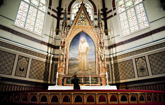 – Vi er midt i påskeuken. Dermed er tiden inne for min årlige utskjelling av kristendommen. All religion er resultatet av virksomheten til sjarlataner og bløffmakere, skriver Erling Gjelsvik. FOTO: BA ARKIV