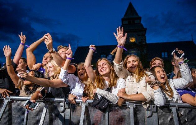 Studentene er på plass i Lillehammer. Onsdag var det konsert på Stortorget med Staysman & Lazz på scenen.