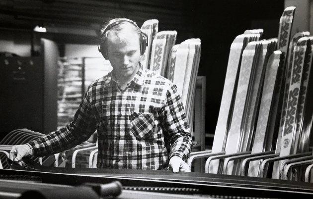 Alpinski i 1990, Åge Jevnesveen kontrollerer K2-ski som da var 60 prosent avtotalproduksjonen.