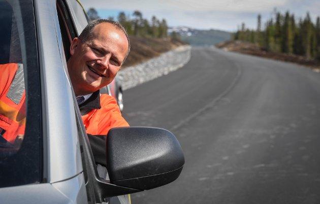 Ketil Solvik-Olsen. Samferdselsminister ny E6 i Dunderlandsdalen.