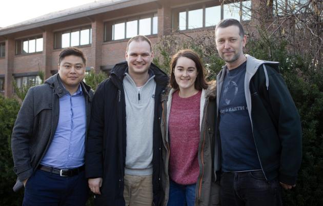 Zhong Wang, David Moen, Ingrid Reiersen Kartveit og Jan-Erik Timm i Sola MDG mener Sola må våkne.