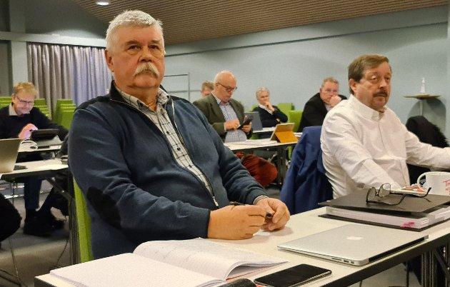 Rasmussen og Sundsbø henger merkelappen «fake news» på Kristiansund senterparti. En påstand blir ikke riktigere om den gjentas flere ganger, skriver Steinar Høgsve.