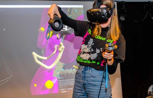 Kulturhack i Ås kulturhus på tirsdag kveld var en møte mellom teknologi og kunst.