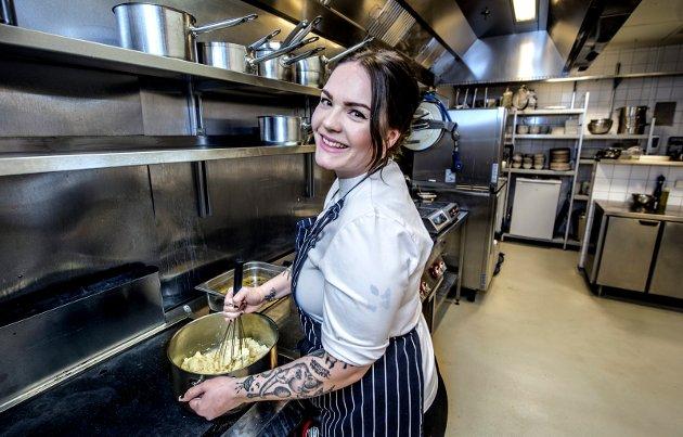 Karoline Navestad Olsen er  lærling på Slippen og godt eksempel på at lærlingekontrakt kan gi mer enn et fagbrev. Hun ble tidligere i år plukket ut til å delta på verdens største matmesse, Grüne Woche, i Berlin.