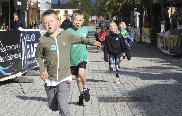 MILÆ i Mosjøen. Barna var først ute i Barneløpet lørdag formiddag.