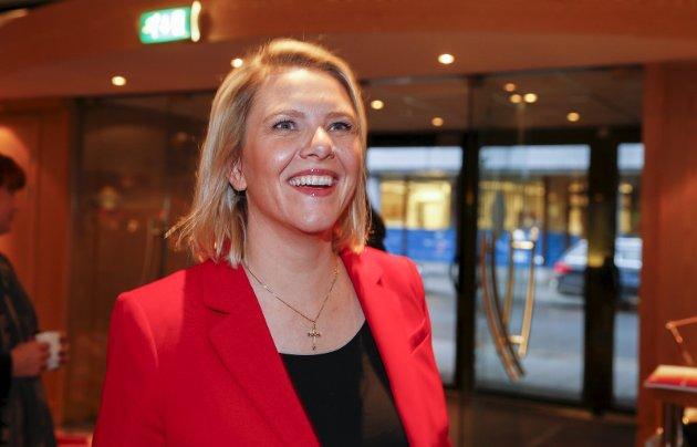 Innvandringsminister Sylvi Listhaug (Frp, bildet) er blant dem som har bært et kors rundt halsen, og har ifølge VG blitt anklaget for å bruke korset til politisk vinning.