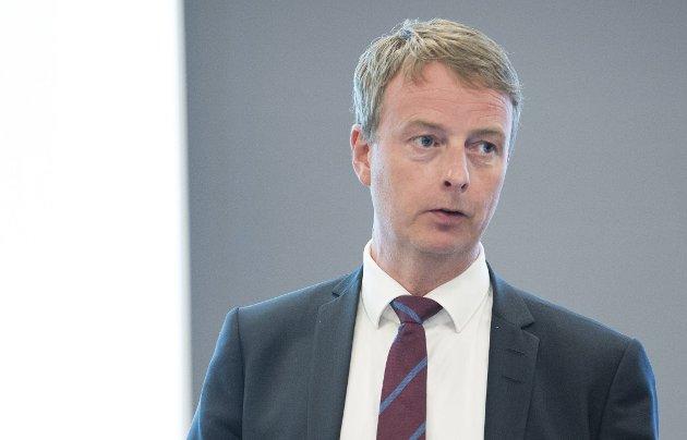 At det er mulig å overleve i politikken etter en slik skandale, er en skam for både politikerstanden og velgermassen, skriver Erling Gjelsvik om Søviknes-saken.