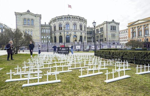 Bildet er fra Unge Venstre sin aksjon fremfor Stortinget i forbindelse med rusreformen. Forslaget ble nedstemt. FOTO: HÅKON MOSVOLD LARSEN, NTB