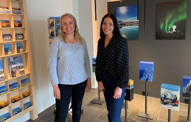 VISIT NORDKAPP: Marte Gabrielsen og Marianne Berg.