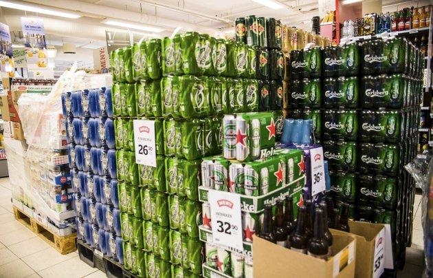 Nei: Øl får man ikke kjøpt i Larviks butikker før klokken åtte på morgenen, selv om butikken åpner klokken seks.