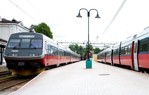 Feil spor: Det må bli tospors jernbane også mellom Larvik og Tønsberg, ellers er man på feil spor.Arkivfoto