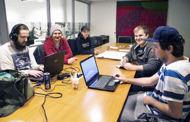 Digitale talenter: Denne gjengen lærte seg å programmere og lage dataspill på fire uker. foto: Kjersti bache