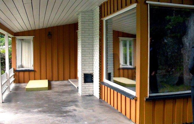 Viktig melding: Du vil aldri angre at du laget veranda med tak og en lun krok. arkivfoto