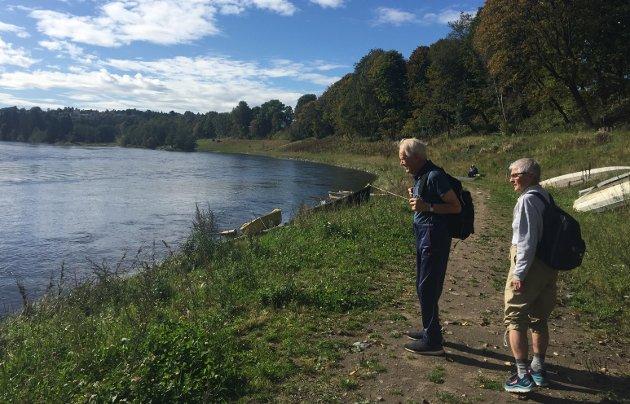 Gir opplevelser: Å gå tur forlenger livet, tror jeg etter turen med pappa på 91 og tante Bibbi på 85 år. foto: Kjersti bache
