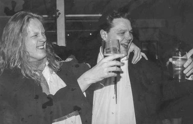 """Erik Nilsson og Bjørn Tore """"Daffy"""" Larsen spilte begge i Balla Bluesband som pleide å opptre andre juledag på Granbar i Askim."""