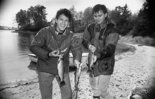 Sigbjørn Stenseth og Nils Petter Fredheim fekk over hundre røyr og aure i Storevatnet i Florø i oktober 1992. Fisken fekk dei i eitt garndrag, og fisken vart teken ut for å nyttast til forskingsføremål. Den store mengden fisk i Storevatnet på nittitalet kom av Flora Jeger- og Fiskeforening sitt arbeid med å sette ut fisk frå Løkkebø ut i Storevatnet. Fleire tusen fisk vart sett ut i ein treårsperiode.