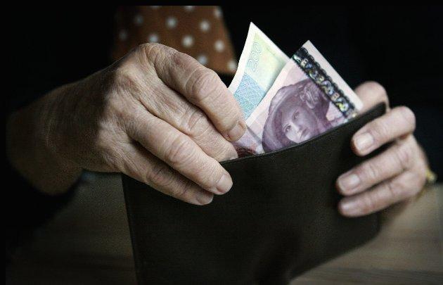 Kurskorreksjon: –Østfold Ap er imot reguleringer som fører til at alle pensjonister får redusert kjøpekraft.  Dette bidrar til å opprettholde og forsterke sosiale forskjeller, påpeker Stein Erik Lauvås.