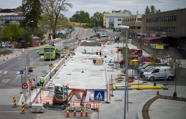 Den østlige delen av den nye bussterminalen i Jernbaneveien begynner snart å bli ferdig.