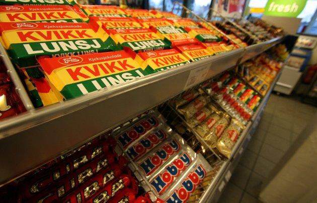 Må man? Inntak av sjokolade, cola og røyk er visst ikke så lurt i lengden. Men i øyeblikket er alt en nytelse.