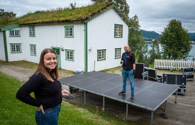 Det rigges klart for en miniversjon av Verket musikkfestival på Stenneset, eksklusivt for 200 tilskuere. Ingrid Alte Westman.