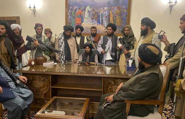 TALIBAN HAR TATT MAKTA: En hel generasjon har vokst opp i fred i Afghanistan, fått utdanning og har kunnet gifte seg av kjærlighet og ikke av tvang. Hva vil skje med dem nå, spør RBs spaltist Gunhild Lærum. FOTO: NTB