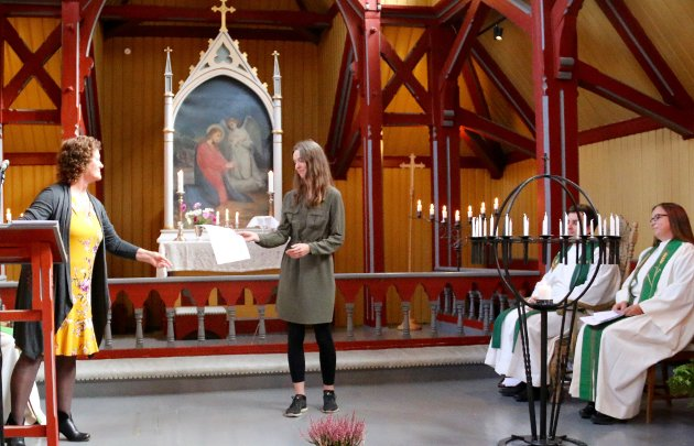 UTTALE: Anne Karin Brugrand, leiar i Lærdal sokneråd, t.v. har sendt inn innlegget på vegner av soknerådet.
