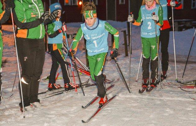 FØRSTE: Sivert Ekroll ble årets første løper i onsdagsrenn i Seterkleiva. Han startet hardt og økte på og viser god form før ungdomsbriken, hvor han er nominert til stipend.