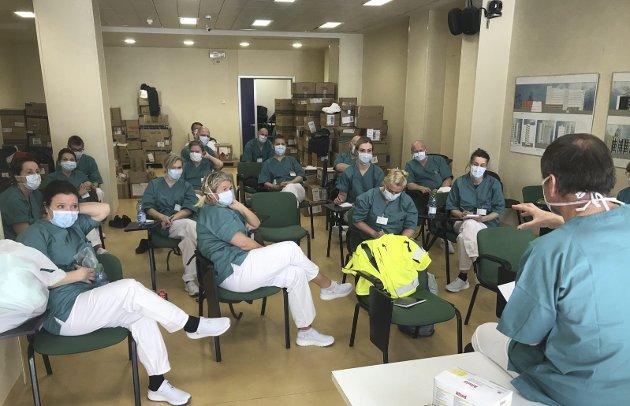 I forrige uke reiste et team med norske leger og sykepleiere for å bistå på sykehuset i Bergamo, en av de hardest rammede byene i Nord–Italia. Bergenseren Janecke Engeberg Sjøvold, som jobber på Haukeland til vanlig, skriver i dette innlegget om de sterke møter med ansatte og pasienter.FOTO: PRIVAT