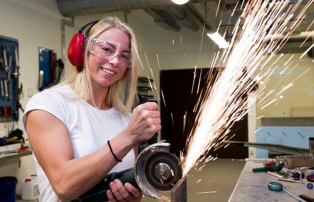 Madelen Rubinstein passer godt inn i det Østfold NHO-sjefen vil frem til: Hun utdanner seg til maskiningeniør samtidig som hun driver med judo på topplan.