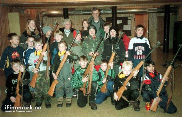 90-TALLET: Karasjok Skytterlag arrangerte skyteskole for barn og unge.