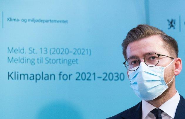 Klima- og miljøminister Sveinung Rotevatn under presentasjonen av stortingsmeldingen «Klimaplan for 2021-2030». Klimaplanen ble debattert i Stortinget i går, 8. april.