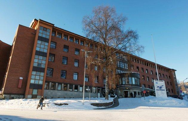 KALDT: Det er kalt ute, men sykehusdebatten er fortsatt varm. Nå er Ivar Bae lei. - Man burde plassert akuttsykehuset på Elverum og det elektive sykehuset på Lillehammer eller Gjøvik (bildet).