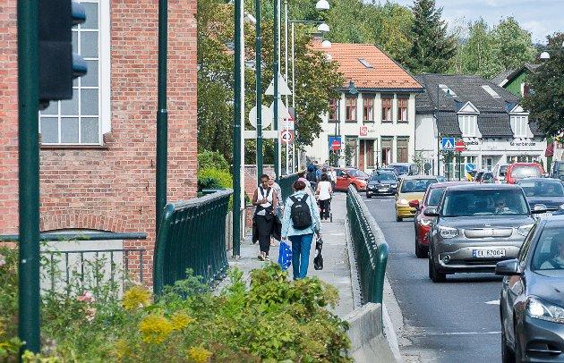 Lise Bye Jøntvedt tror stenging av bybrua for personbiler vil skape en hyggeligere by.