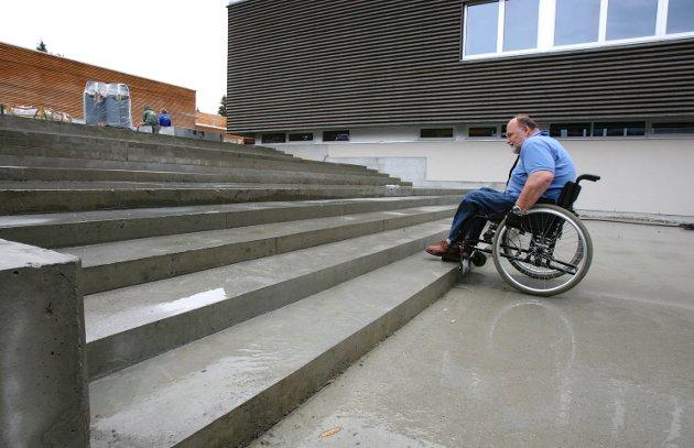For alle: – Akershus fylkeskommune ønsker at flest mulig kan bruke kollektivtransporten og at skolebygg, tannklinikker og andre fylkeskommunale bygg fungerer godt for alle elever, pasienter og ansatte.